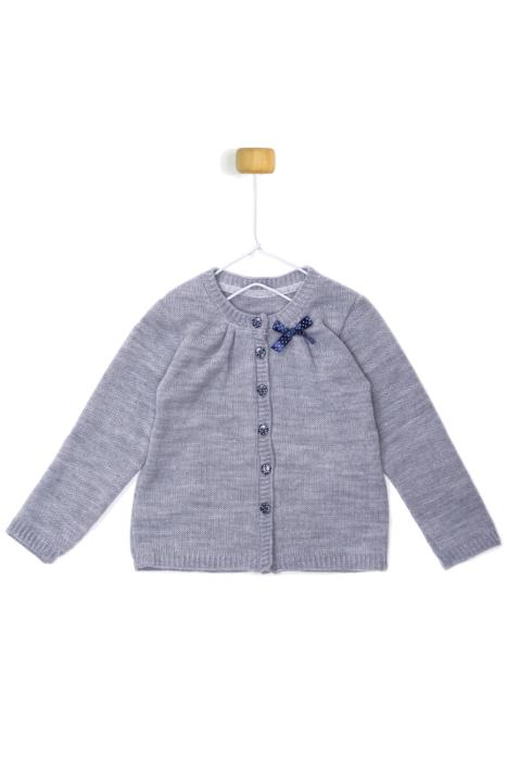 Szary sweterek z kokardką w groszki