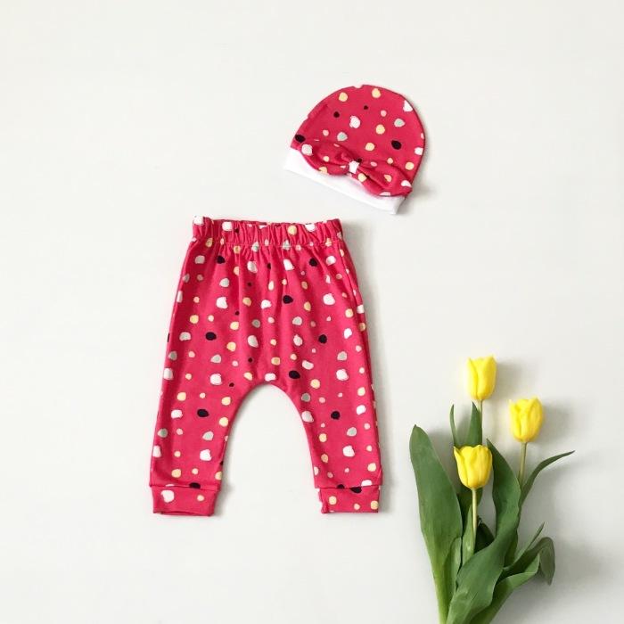 Spodnie różowe grochy