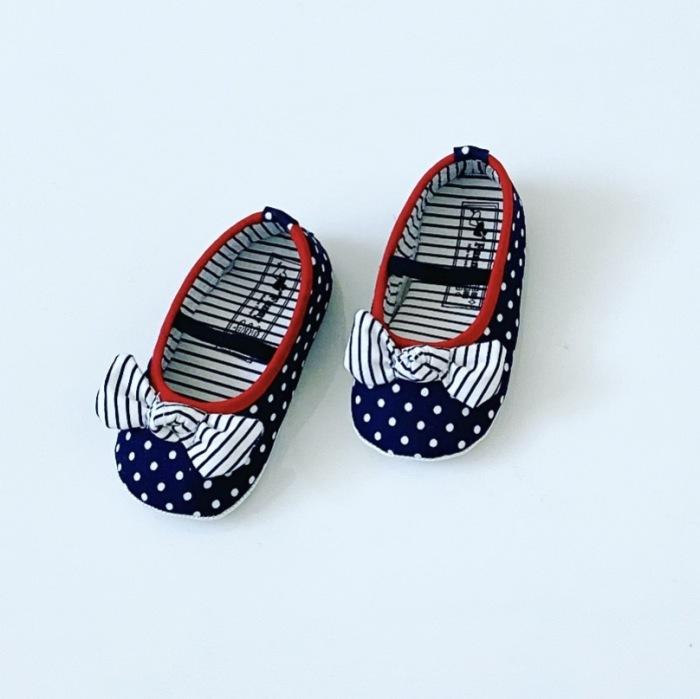 Buciki niemowlęce kropeczki dla dziewczynki