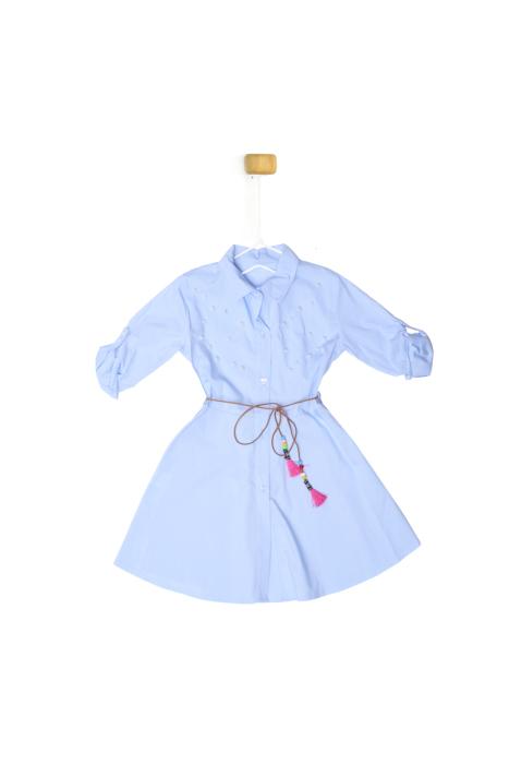 Błękitna sukienka z perełkami