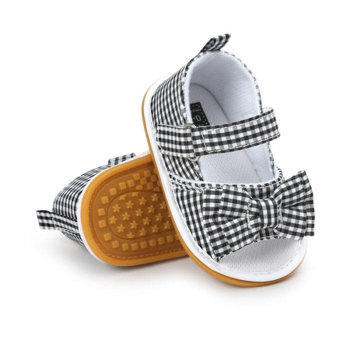 Sandałki kokardka