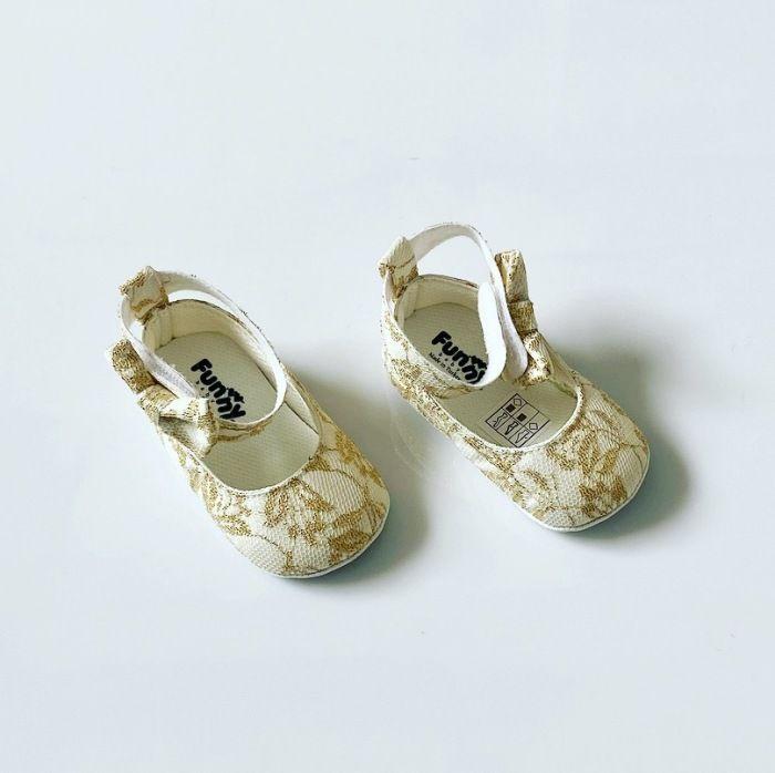 Buciki niemowlęce gold dla dziewczynki