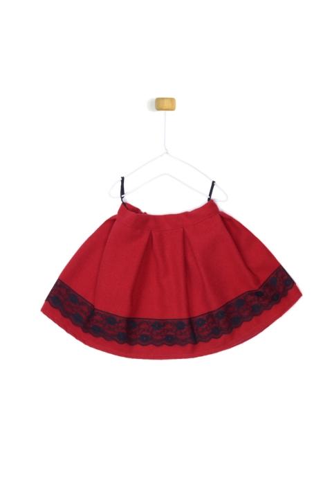 Czerwona spódniczka z koronką